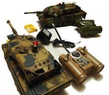 Zestaw walczących czołgów