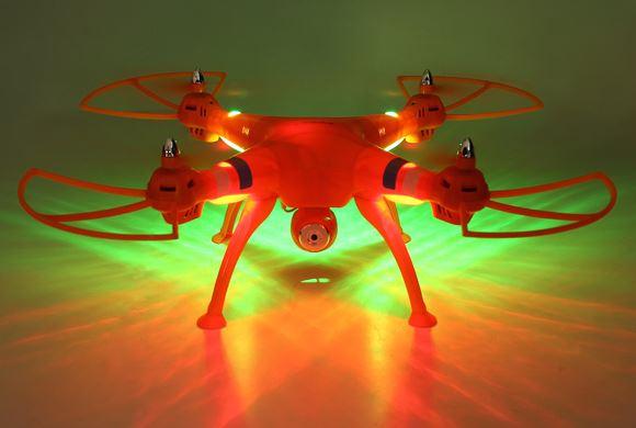 Dron latający - światła LED